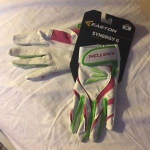 Softball batting gloves